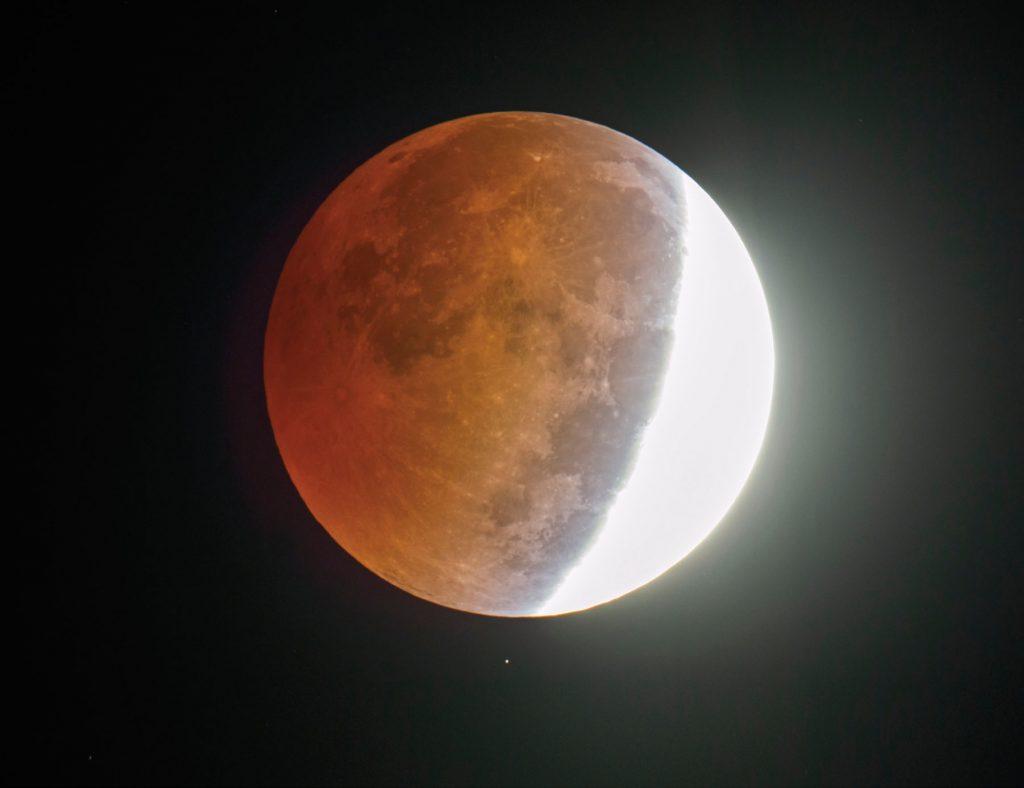 מה ההבדל בין ליקוי חמה לליקוי ירח?