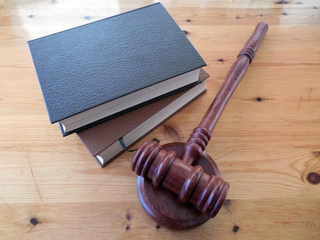 מה ההבדל בין פרקליט לעו״ד