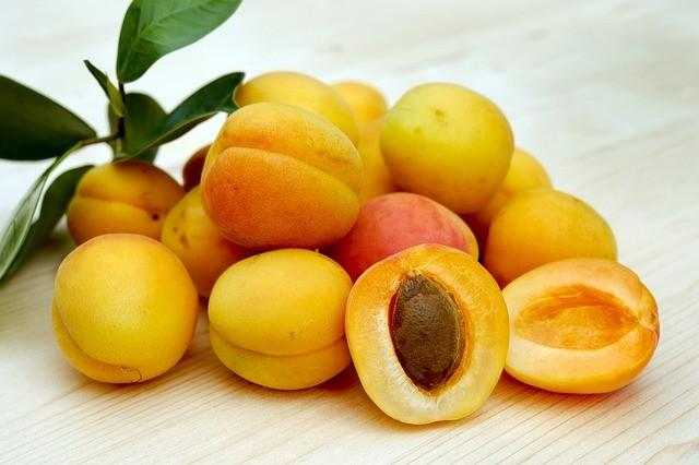מה ההבדל בין אפרסק, נקטרינה ומשמש, ומה זה אפרשזיף?