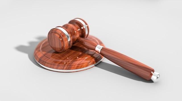 מה ההבדל בין משפט פלילי לבין משפט אזרחי ומה זה משפט מנהלי