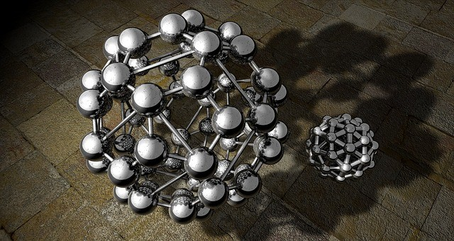 מה ההבדל בין תרכובת לבין מולקולה?