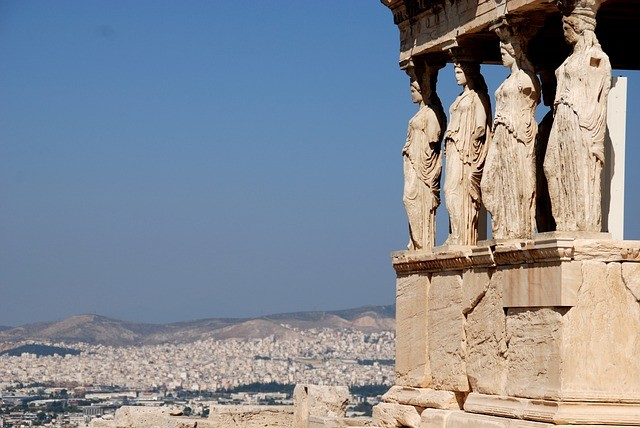 מה ההבדל בין ספרטה לאתונה?