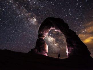 כוכב-לכת-כוכב