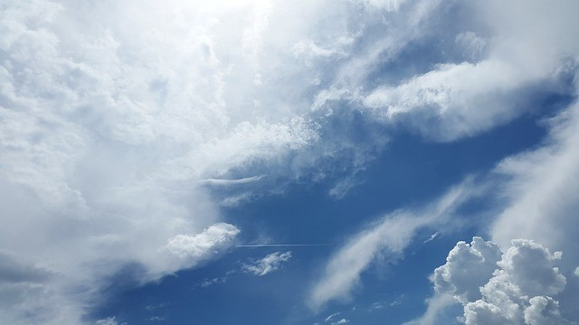 למה השמיים כחולים?