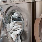 מה ההבדל בין מרכך כביסה לאבקת או נוזל כביסה?