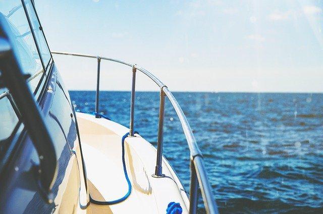 מה ההבדל בין יאכטה לסירה?