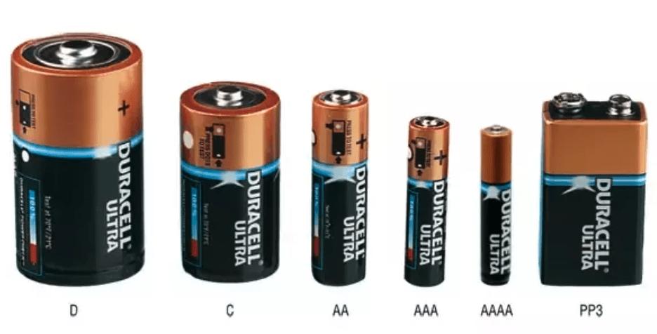 מה ההבדלים בין סוללות AA ו- AAA?